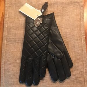 Michael Kors Quilted Hamilton Lock Gloves